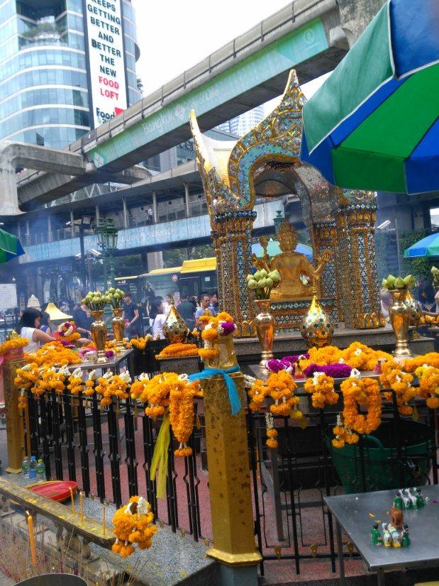 que ver en bangkok Erawan Shrine Bangkok