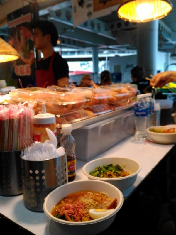 comer en bangkok puesto callejero MBK