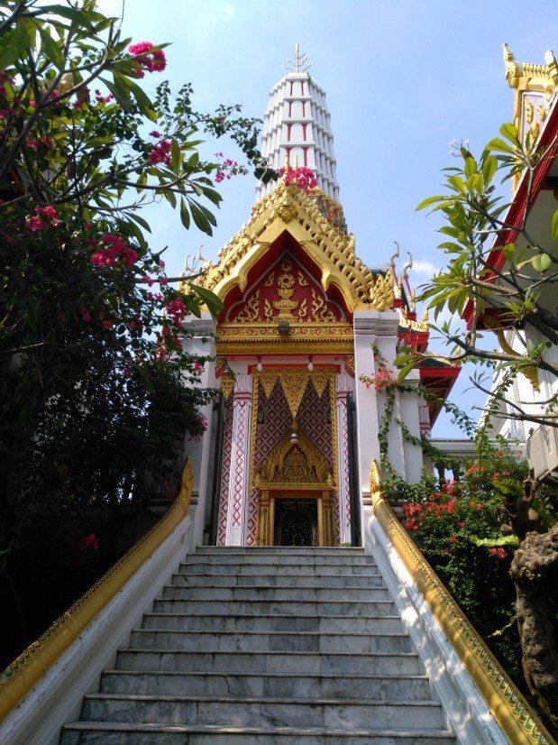 que ver en bangkok Wat Chakrawatrachawat Woramahawihan