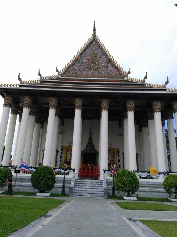 que ver en bangkok Wat Thep Sirin Thrawat