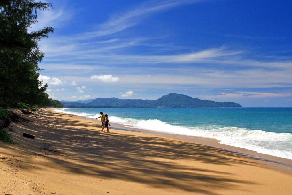 las mejores playas de tailandia playa mai khao