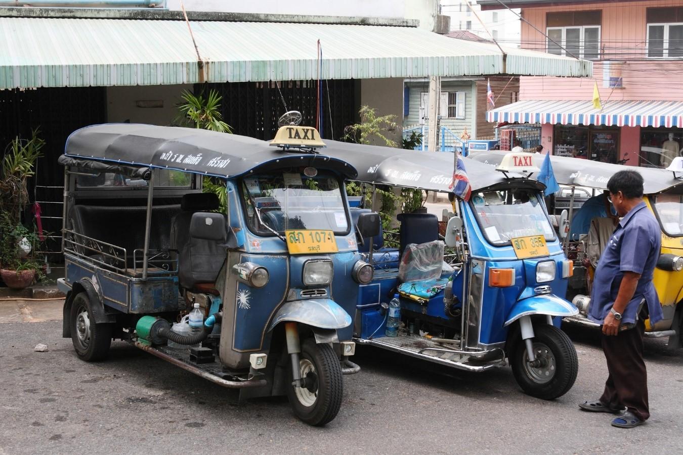 las playas de bangkok kohsichang tuk tuk