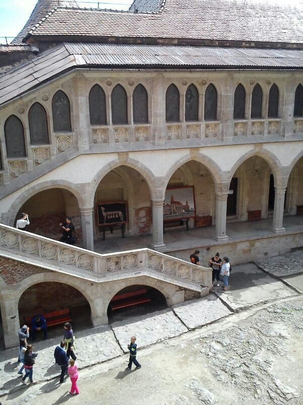 que ver en deva y huneduara Castillo Corvinilor plaza