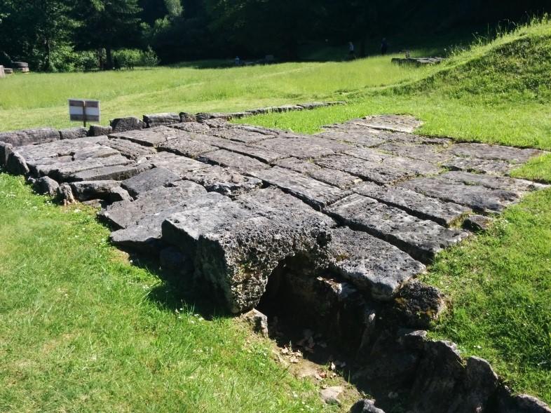 que ver en deva y huneduara Sarmizegetusa Regia restos